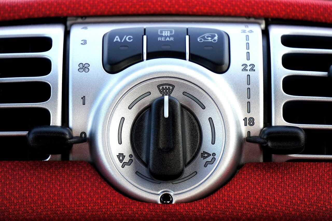 Klimatyzacja samochodowa. Co warto wiedzieć o klimatyzacji w samochodzie?
