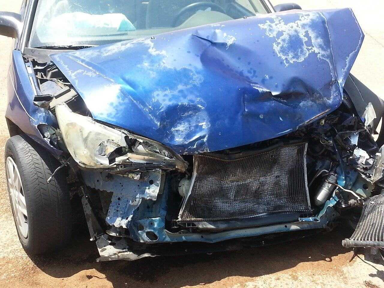 Szkoda całkowita pojazdu w ubezpieczeniach OC i AC