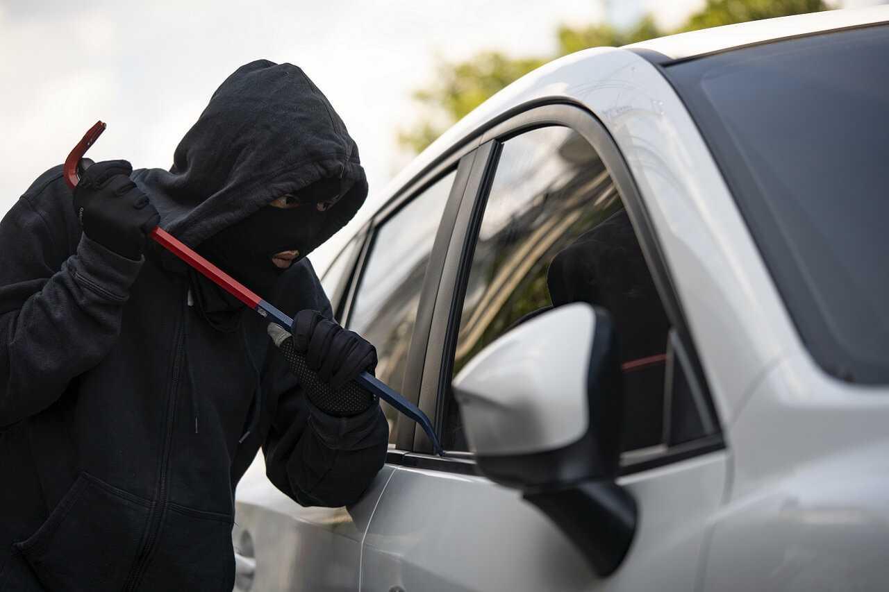 Ubezpieczenie samochodu od kradzieży. Na co uważać?
