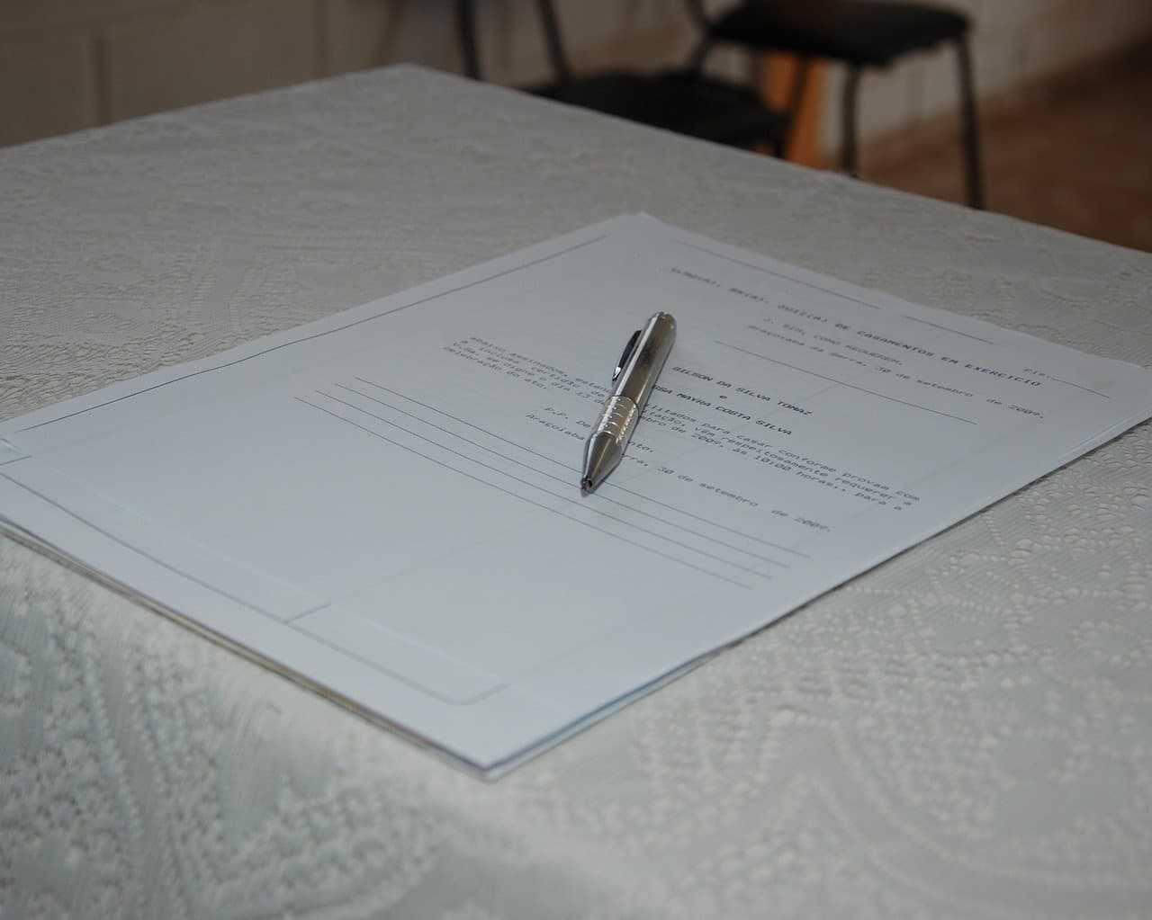 Wypowiedzenie umowy OC. Kiedy i w jaki sposób można to zrobić?
