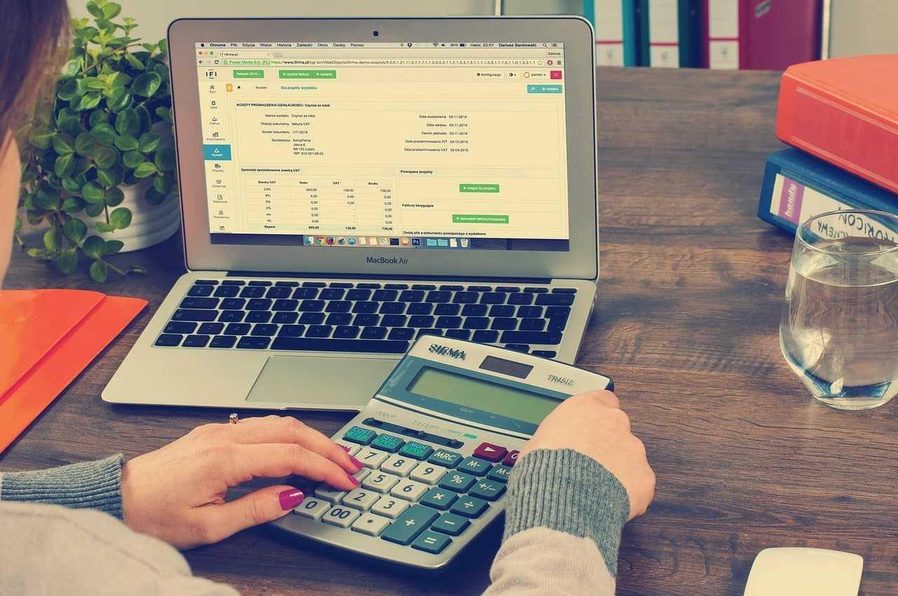 Kalkulator OC bez podawania danych osobowych. Czy to działa?