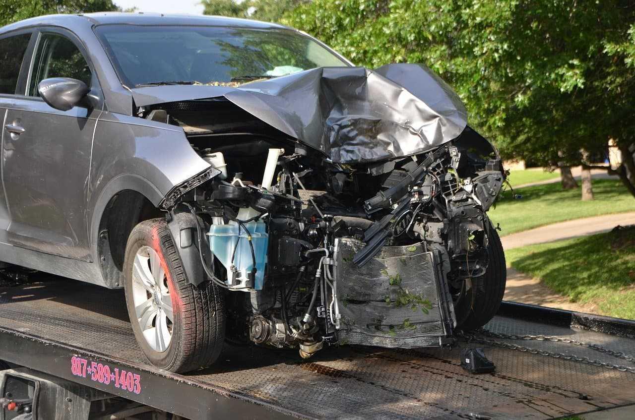 Kolizja pożyczonym samochodem. Kto płaci za szkody?