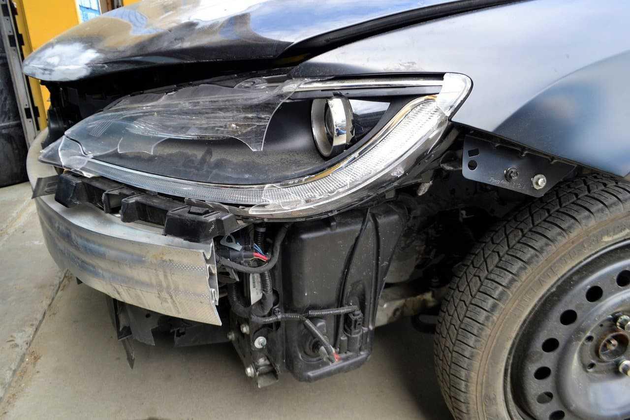 Naprawa samochodu z własnego AC. Czy zawsze się opłaca?