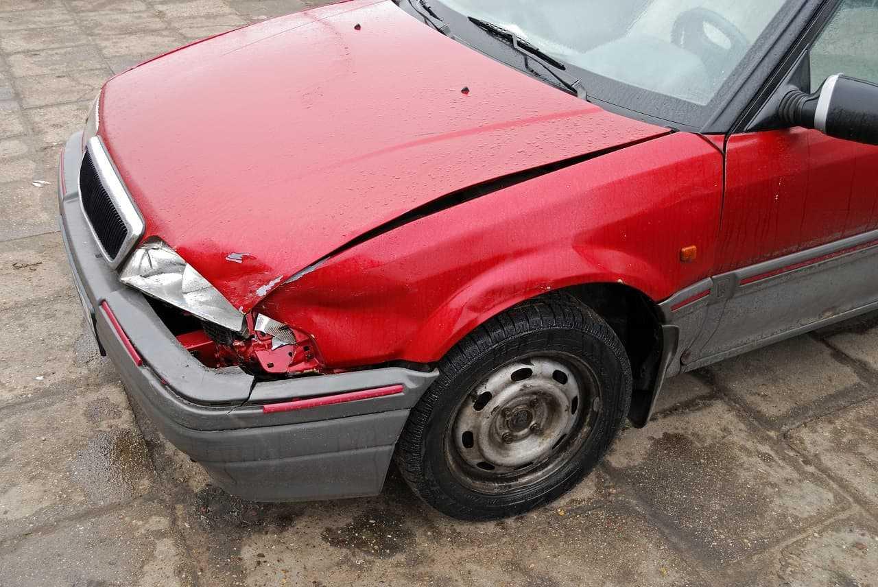 Stłuczka na parkingu. Czym się różni od innych zdarzeń drogowych?
