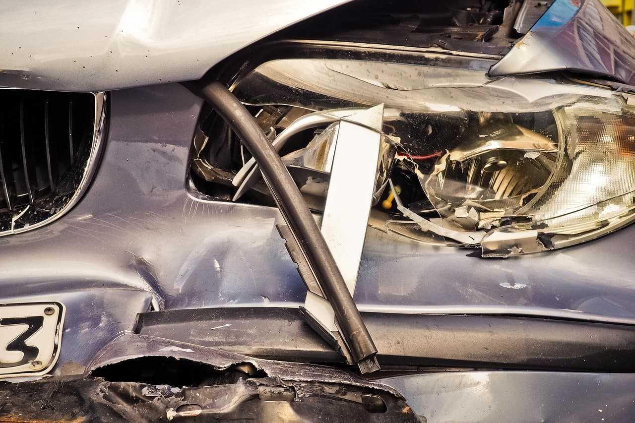 Szkoda całkowita samochodu na raty. Kto otrzyma odszkodowanie za auto?