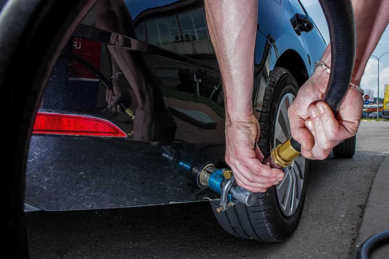 Przegląd auta z gazem. Ile kosztuje badanie techniczne pojazdu z LPG?