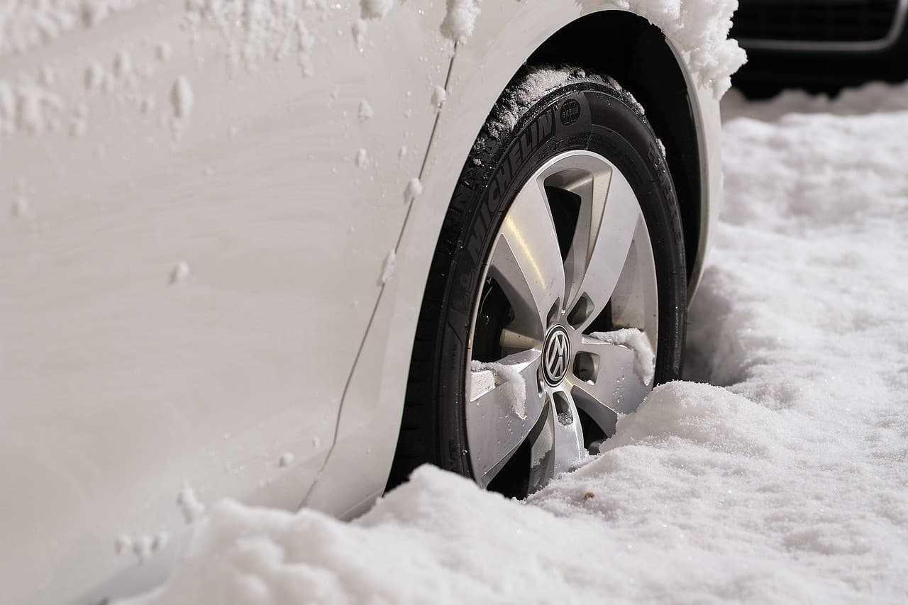 Przygotowanie samochodu do zimy, czyli dbałość o auto w 8 krokach