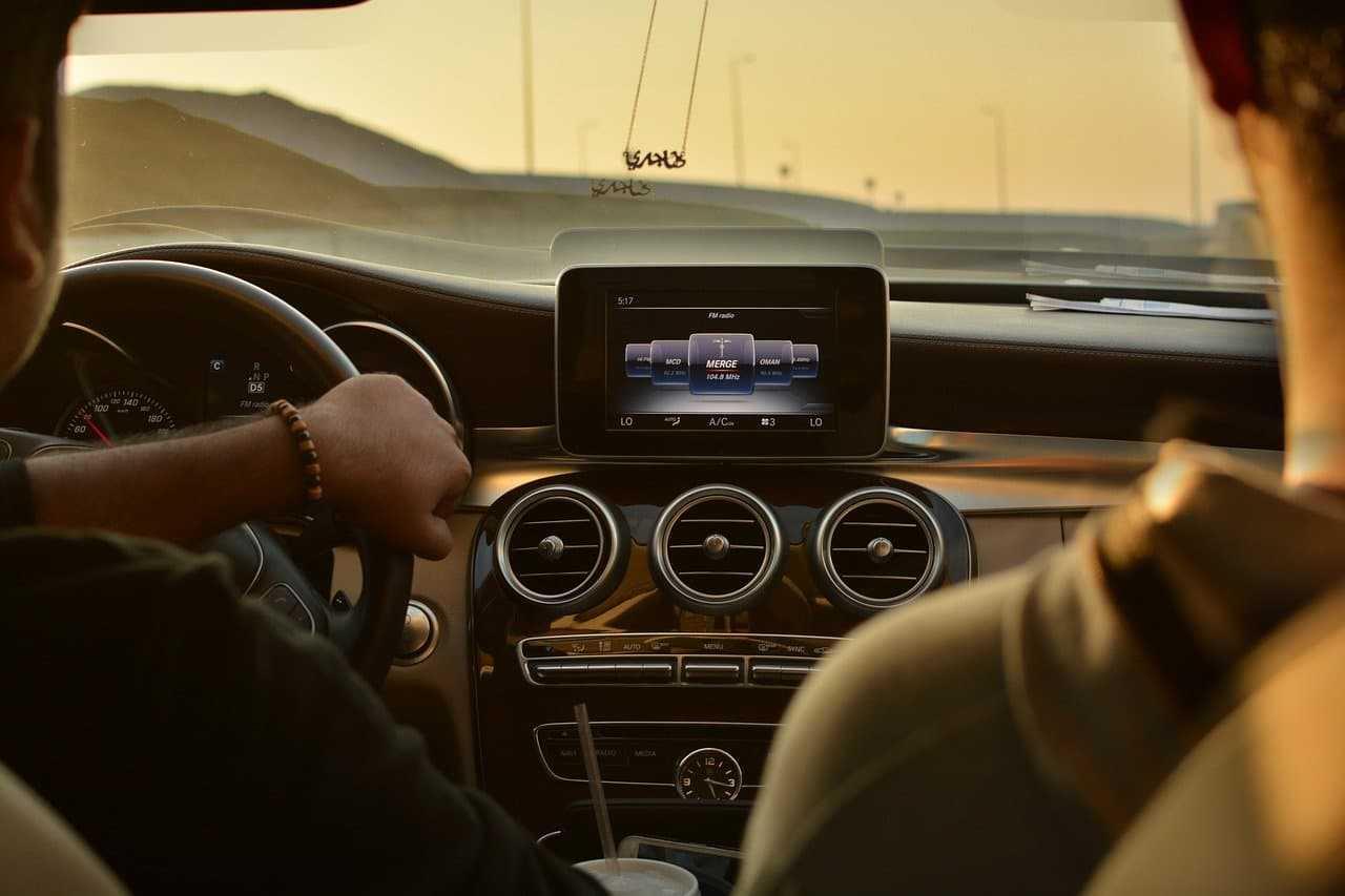 Najpopularniejsze systemy bezpieczeństwa w samochodzie XXI wieku