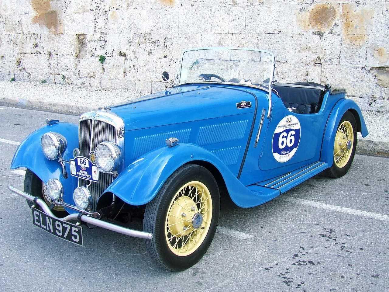 Ubezpieczenie samochodu zabytkowego. Ile kosztuje OC dla historycznego auta?
