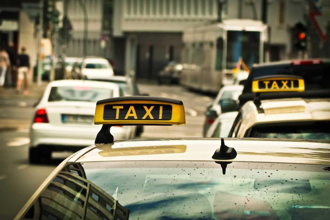 Ubezpieczenie taksówki. Ile kosztuje OC taxi?