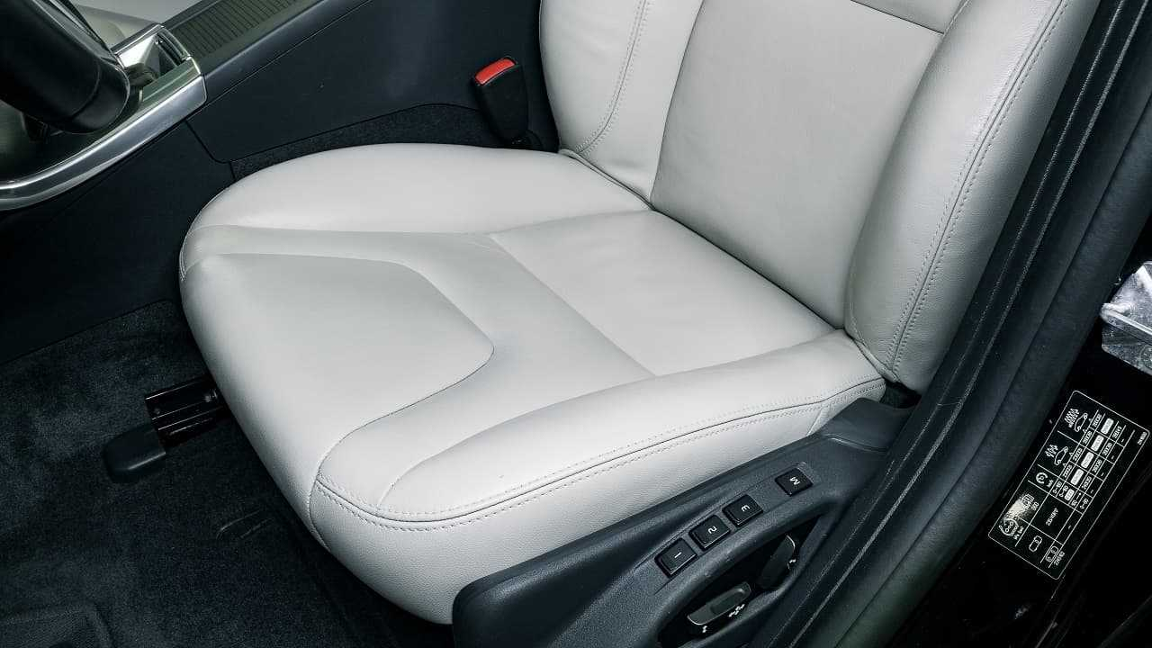 Ustawienie fotela kierowcy zapewnia bezpieczeństwo. O czym warto pamiętać?