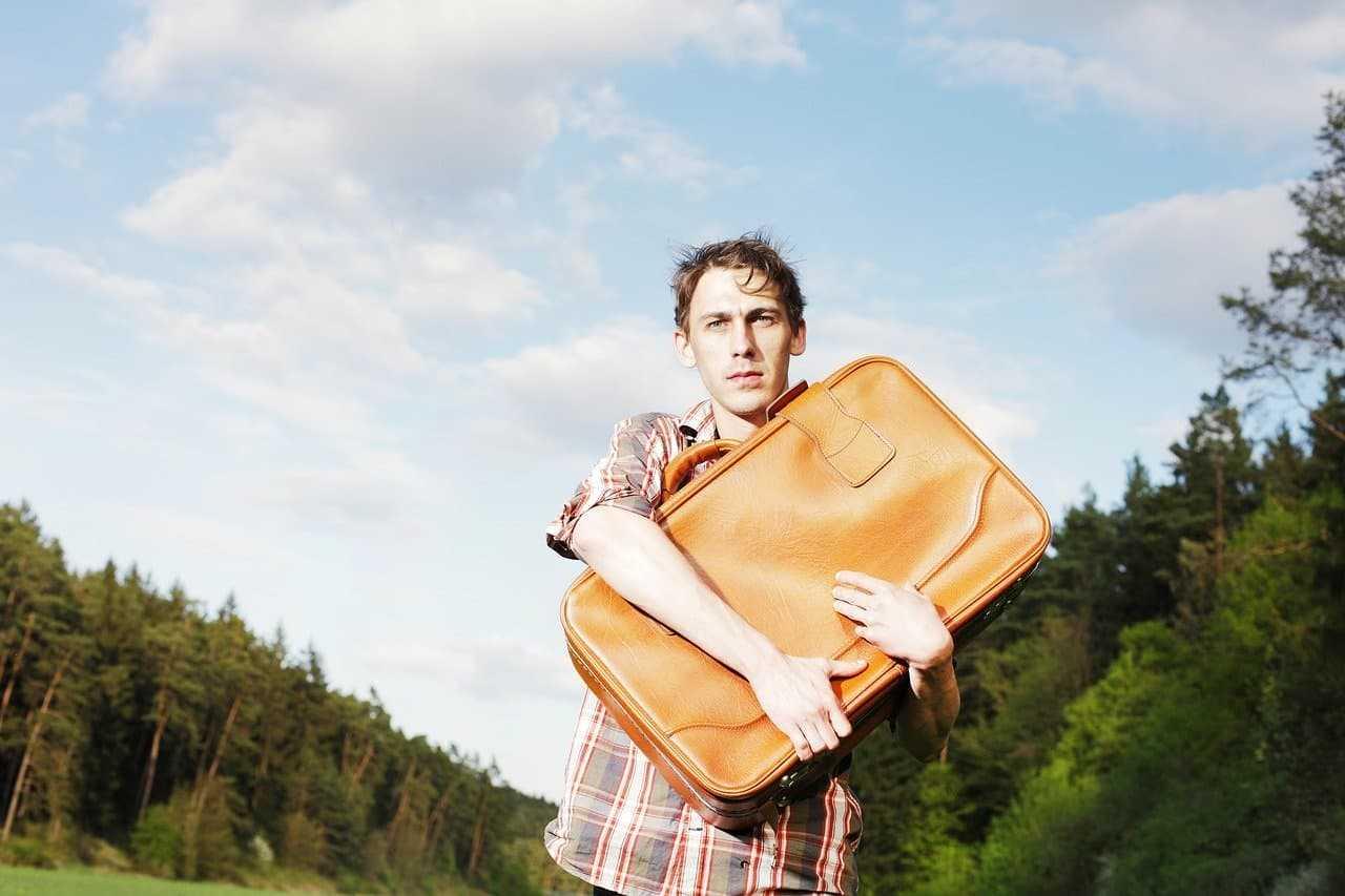 Jak spakować się na wakacje? 8 przydatnych zasad