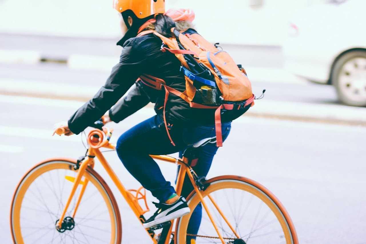 Obowiązkowe wyposażenie roweru. Sprawdź przed wyjazdem w trasę!