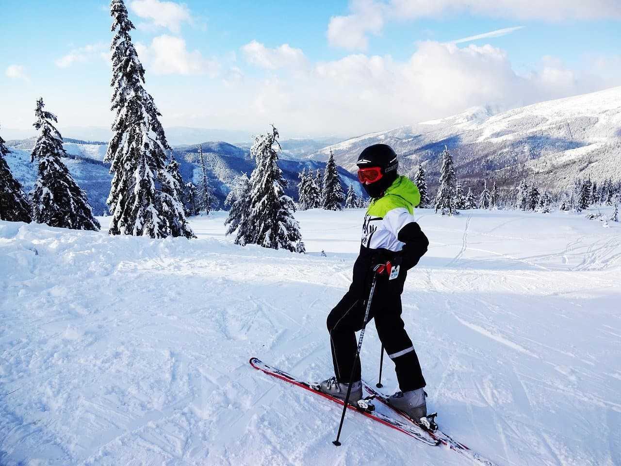 Ubezpieczenie narciarskie. Ile kosztuje i co powinno zawierać?