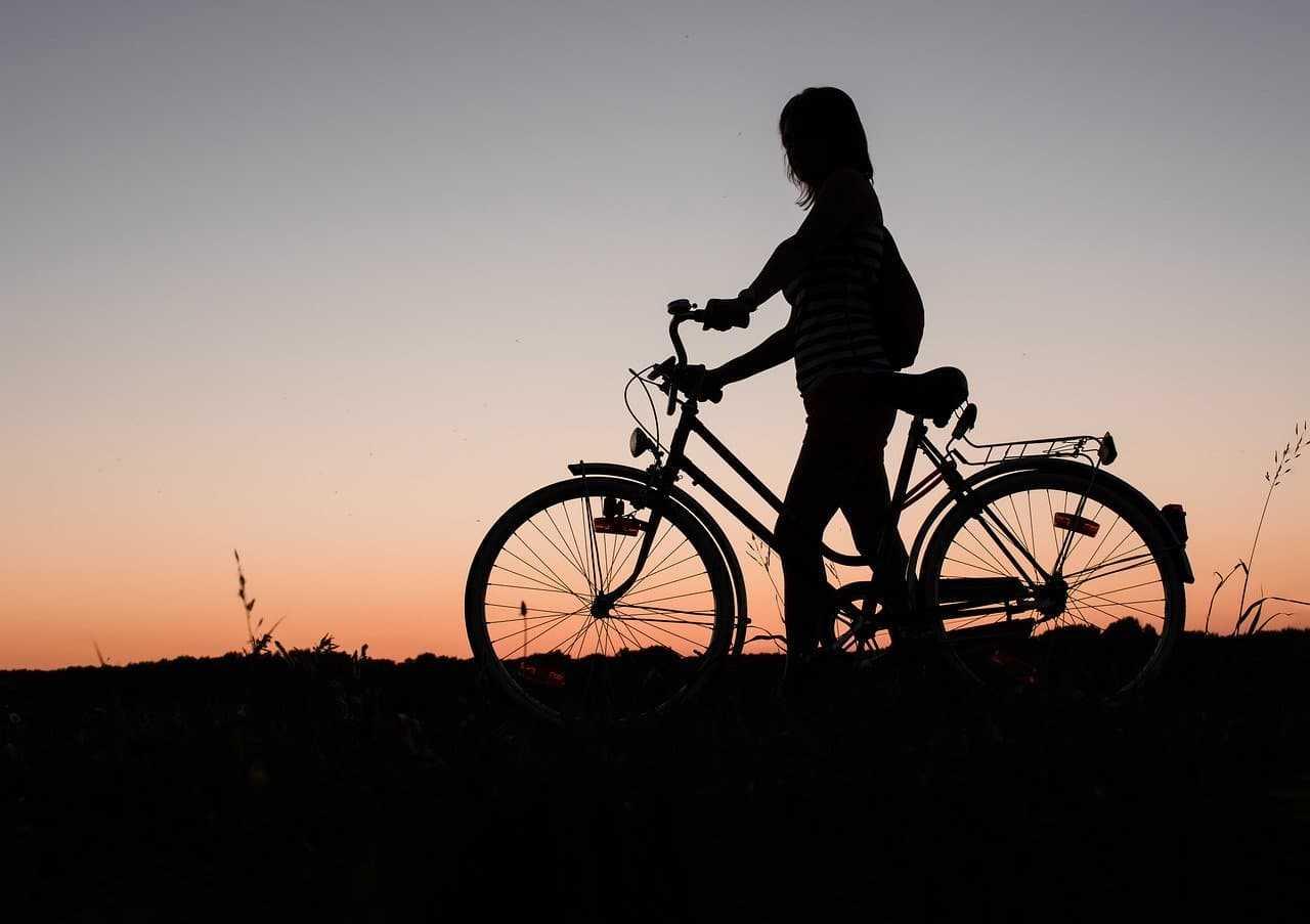 Ile kosztuje ubezpieczenie roweru? O czym należy pamiętać, szukając tej polisy?