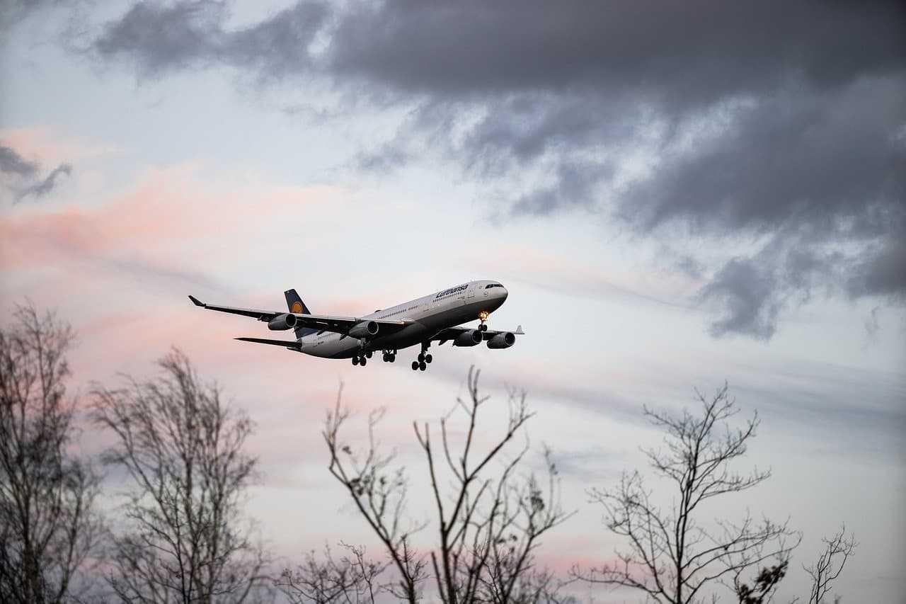 Jak szukać promocyjnych lotów? Sprawdzone sposoby na oszczędzanie!