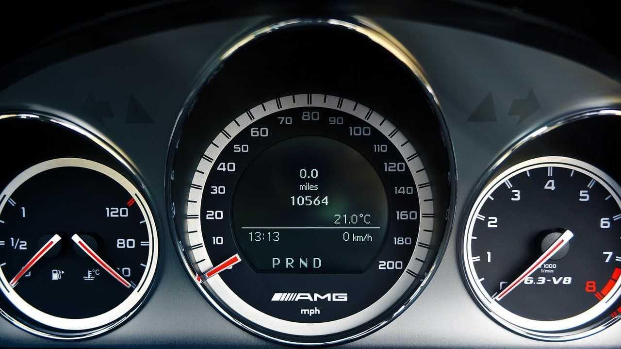 Przebieg samochodu a cena OC. Czy to ma znaczenie?
