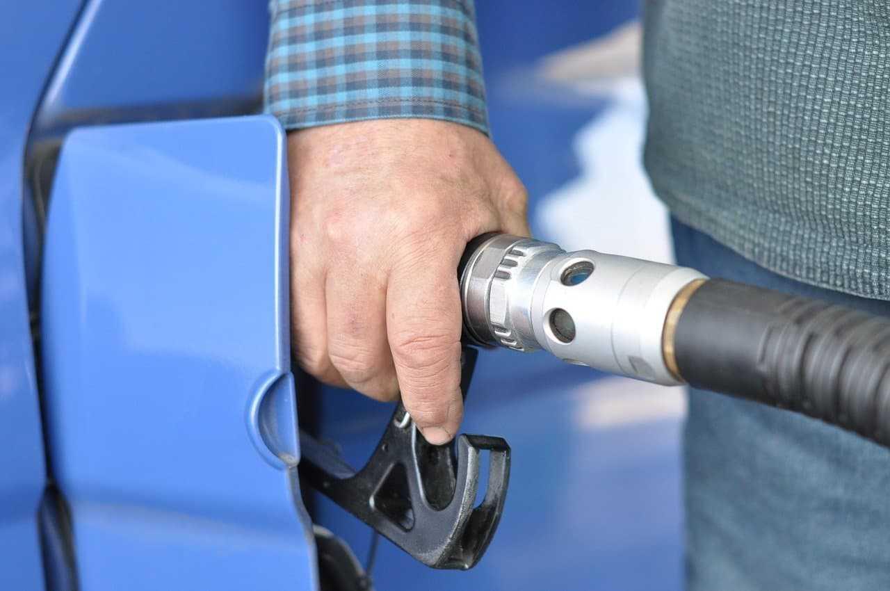 Karta paliwowa – poznaj wszystkie płynące z niej korzyści!