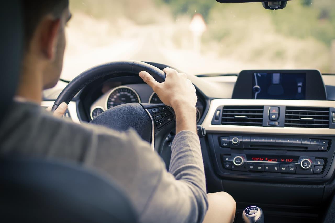 Rodzice jako współwłaściciele samochodu – co zyskujesz, współdzieląc własność auta?