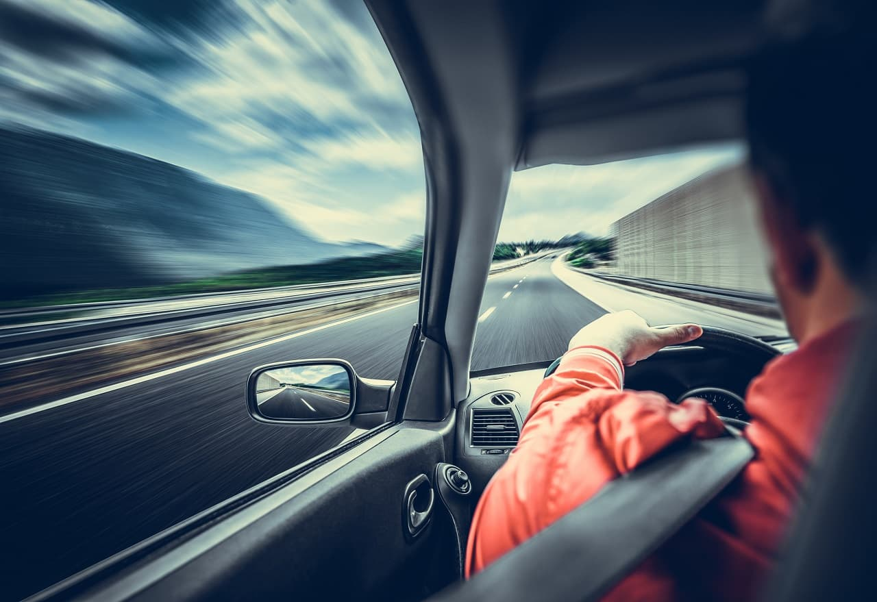 Szczególna ostrożność – pamiętaj o niej na drodze
