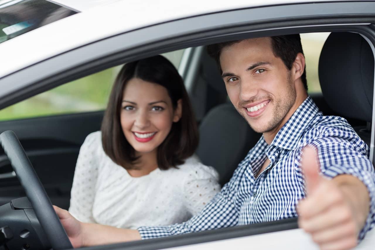 Dwóch współwłaścicieli samochodu a ubezpieczenie OC/AC – na co uważać?