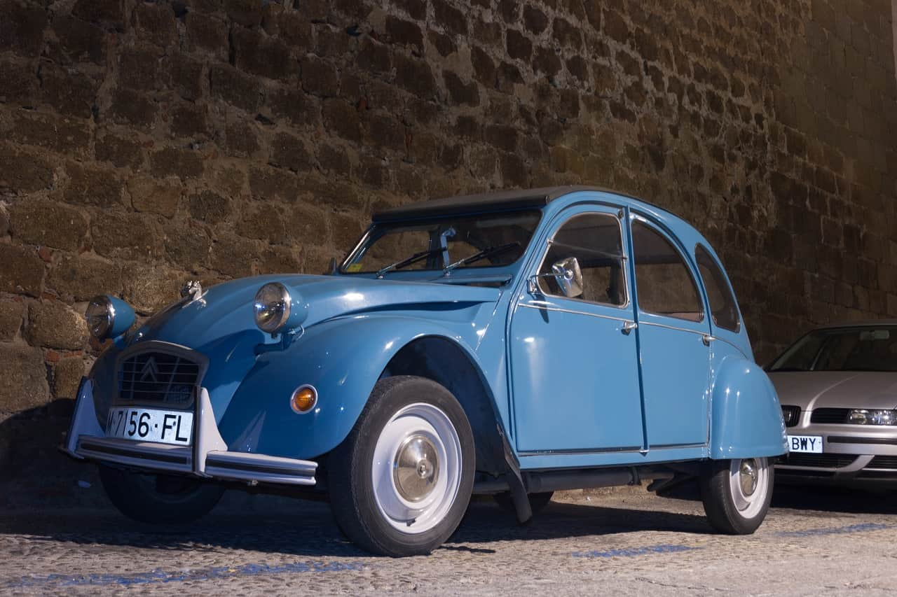 Renowacja samochodu a obowiązkowe OC. Co przewidują polskie przepisy?