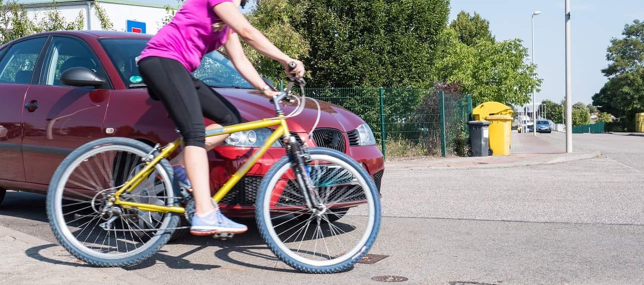 Kolizja z rowerzystą. Co to oznacza dla kierowcy samochodu?