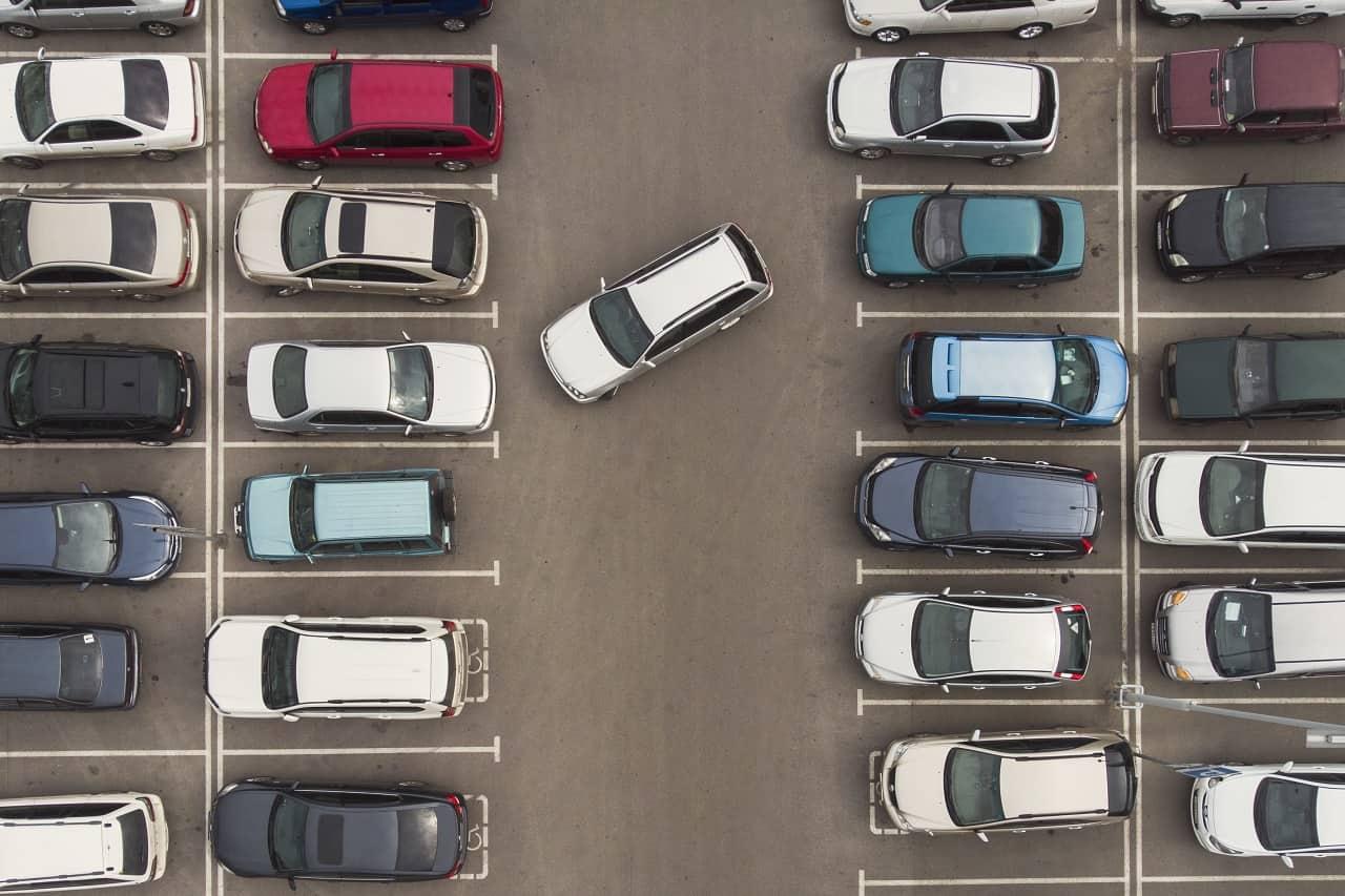 Mandat za nieprawidłowe parkowanie – ile wynosi?