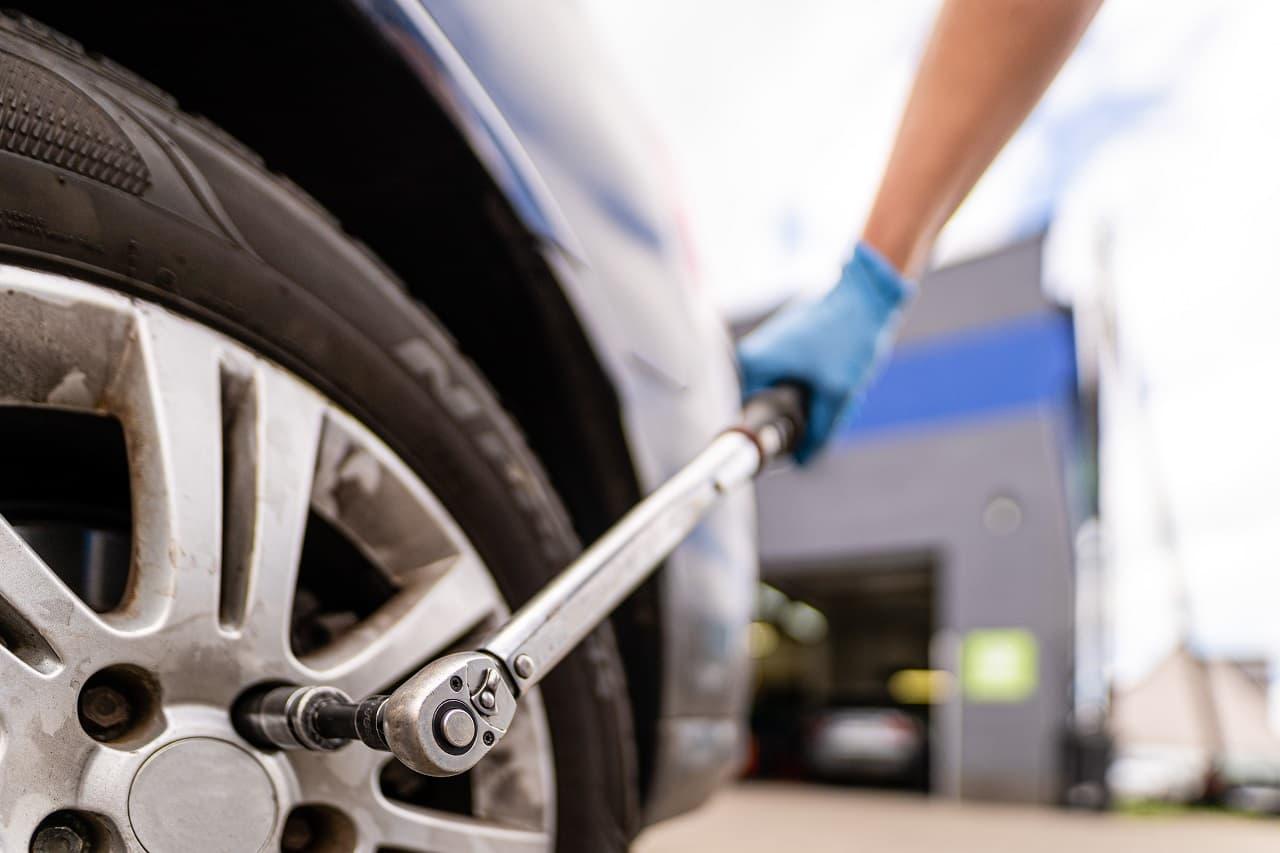 Wymiana opon – pilnuj terminów i bądź bezpieczny na drodze!