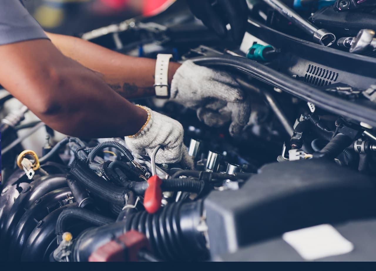 Czy warto kupować części samochodowe przez Internet? Jakie są zalety takiego rozwiązania?