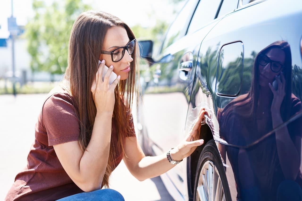 Drobne uszkodzenia samochodu – co to znaczy?