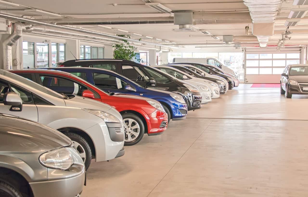 Sprzedaż samochodu przez współwłaścicieli. O jakich zasadach musisz pamiętać?