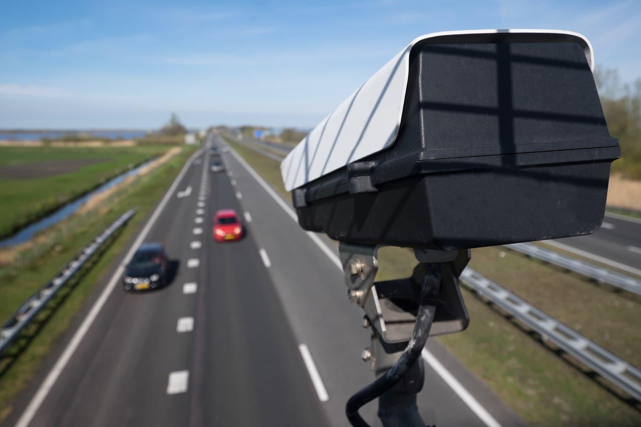 Odcinkowy pomiar prędkości – gdzie się znajduje i jak działa?